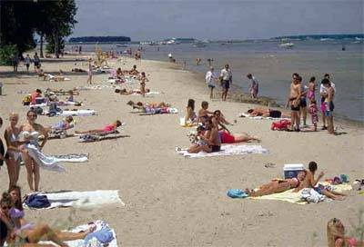 Great Lakes Beach: Photo credit EPA