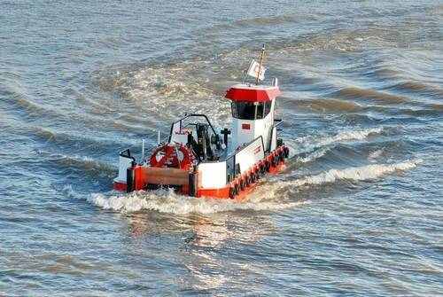 File Dredger Workboat: Photo credit IHC Beaver Dredgers