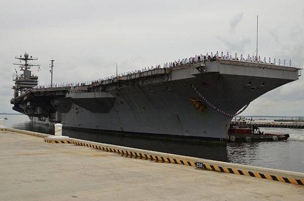 File USS Abraham Lincoln: Photo credit US Navy