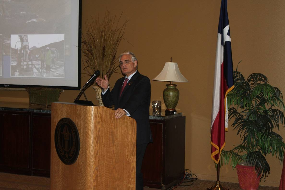 Jorge L. Quijano at Conference