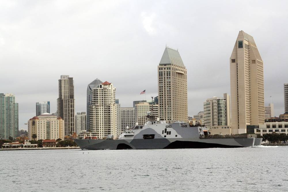 File LCS Freedom off San Diego: Photo credit USN