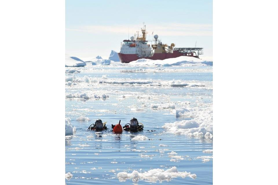 File Antarctic Divers Front HMS Protector: Photo courtesey of UK MOD