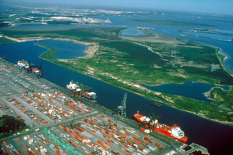 Houston Ship Channel: Photo courtesy of US Army Corps of Engineers