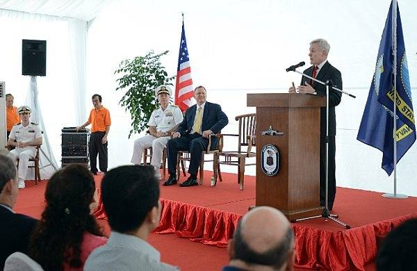 SECNAV Speaks Aboard USS Freedom: Photo credit USN