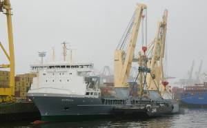 The first of two newbuilds of type 183 commissioned by heavy lift carrier SAL Schiffahrtskontor Altes Land has successfully performed its crane tests in the port of Hamburg. Photo courtesy Svenja Heinrich, SAL-Schiffahrtskontor Altes Land
