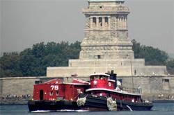 Tug Pegasus & Waterfront Museum Barge in Brooklyn