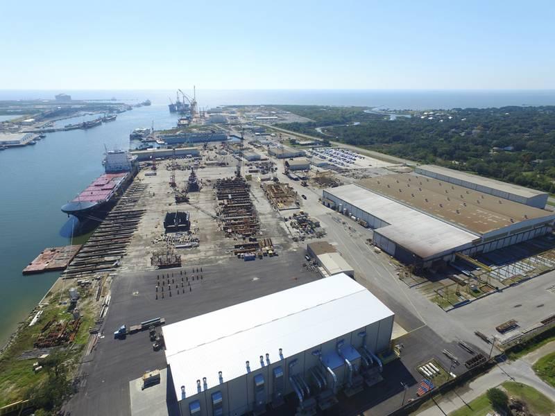 Μια εναέρια επισκόπηση των εκτεταμένων ναυπηγικών εργασιών του VT Halter για τις ακτοπλοϊκές εργασίες του Κόλπου. (CREDIT: VT Halter)