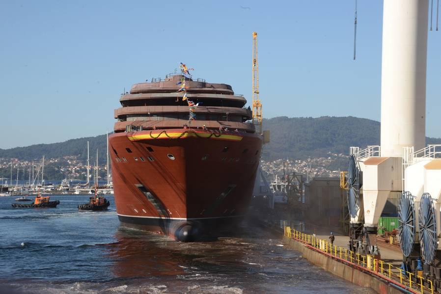 Флагман нового бренда, запущенный в октябре 2018 года на верфи Hijos de J. Barreras в Виго, Испания, теперь занимается отделкой и отделкой интерьера. Фото предоставлено: Коллекция яхт Ritz Carlton