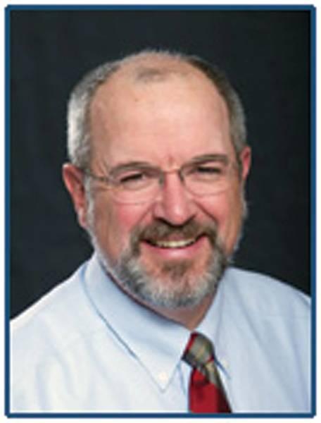 المؤلف: ريك فان هيمن هو رئيس Martin & Ottaway ، وهي شركة استشارية بحرية متخصصة في حل المسائل الفنية والتشغيلية والمالية في مجال النقل البحري. من خلال التدريب ، يعمل مهندسًا في مجال الفضاء والطيران وأمضى معظم حياته المهنية في التصميم الهندسي وهندسة الطب الشرعي.
