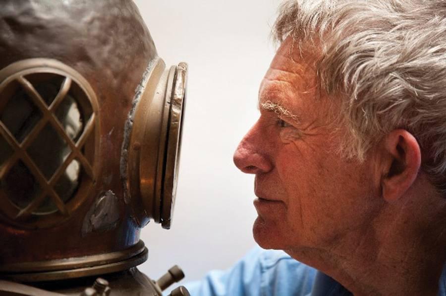 في عمر 88 عامًا ، لا يزال النقيب والش يدير العمليات اليومية لشركة International Maritime ، وهي شركة استشارية أسسها في عام 1976. Image Courtesy Don Walsh.