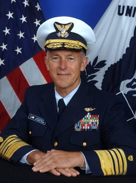 قائد حرس السواحل الأمريكي ، اللواء بول إف. زونفت