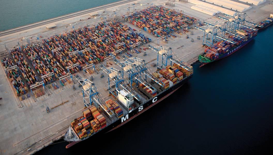 منظر جوي ، أرصفة ميناء خليفة. (الصورة: موانئ خليفة.