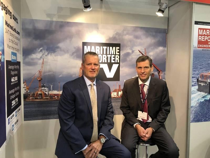 एसएमएम 2018 में समुद्री रिपोर्टर टीवी बूथ ने साक्षात्कार के लिए दो दर्जन से अधिक अधिकारियों से मुलाकात की, जिनमें इयान व्हाइट, एक्सोनमोबिल मरीन भी शामिल है। (फोटो: समुद्री रिपोर्टर टीवी)