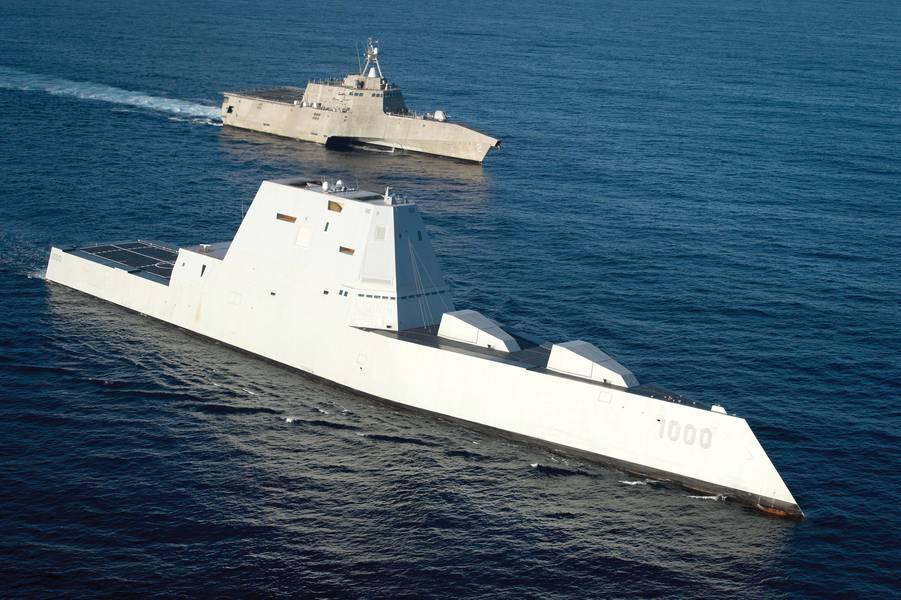 निर्देशित मिसाइल विध्वंसक यूएसएस जुमवाल्ट (डीडीजी 1000), नेवी का सबसे तकनीकी रूप से उन्नत सतह जहाज छोड़ दिया गया है, जो लिटलोर लड़ाकू जहाज यूएसएस स्वतंत्रता (एलसीएस 2) के गठन में चल रहा है। क्या ये जहाजों भविष्य में नौसेना के युद्धपोतों की तरह होंगे? (पेटी अधिकारी प्रथम श्रेणी ऐस राहेम द्वारा अमेरिकी नौसेना फोटो)