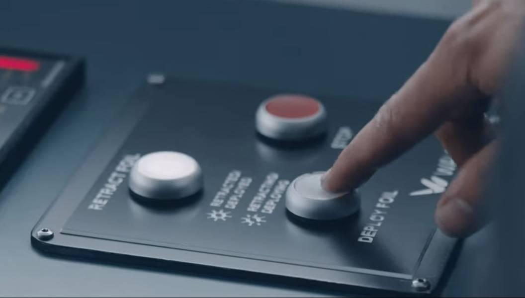 पुश-बटन परिनियोजन: बॉयफ्रेंड रो-पैक्स फेरी, टीस्टिन पर सवार वेवफॉइल पंख। साभार: वेवफॉइल