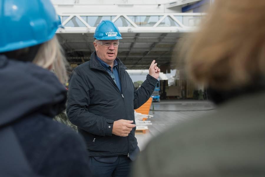 """""""हम देखते हैं कि कई कार प्रकार एक ही प्लेटफॉर्म पर बनाए जाते हैं और देखते हैं कि उस उद्योग के भीतर लागत में लाभ है। हमारे पास यह मानने का कोई कारण नहीं है कि समुद्री उद्योग में भी ऐसा नहीं होना चाहिए। """"फेजेलस्ट्रैंड के प्रमुख अनुसंधान और विकास एडमंड टोलो ने कहा। फोटो सौजन्य Fjellstrand"""