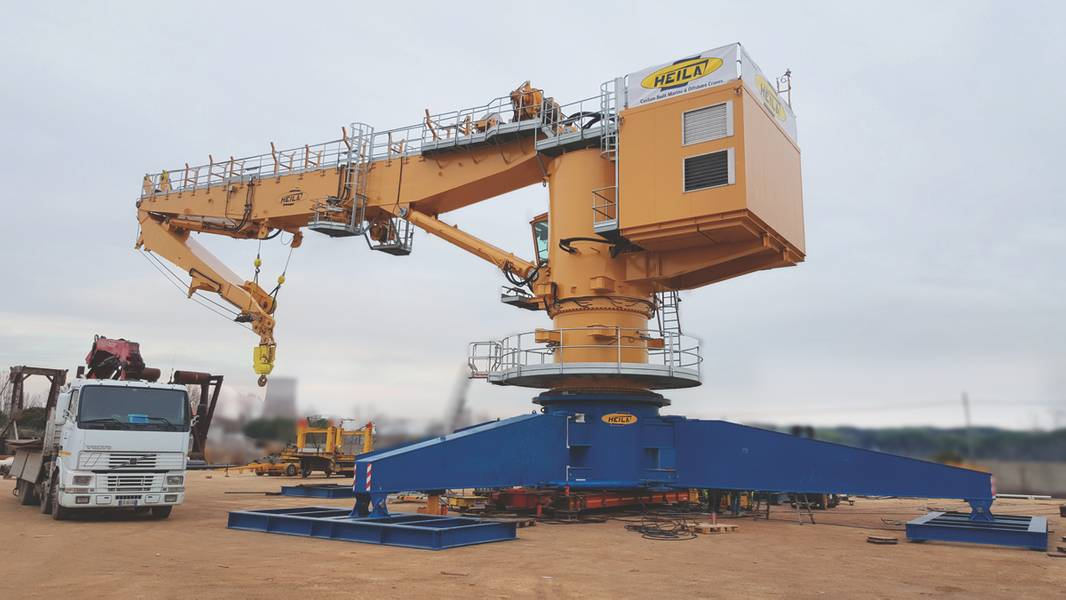 ヘラクレーンからのHR 2050 / 35-2BJメインクレーンの配達は、極北研究船のSir David Attenboroughに直ちに実施される予定です。 (写真提供:Heila Cranes SpA)