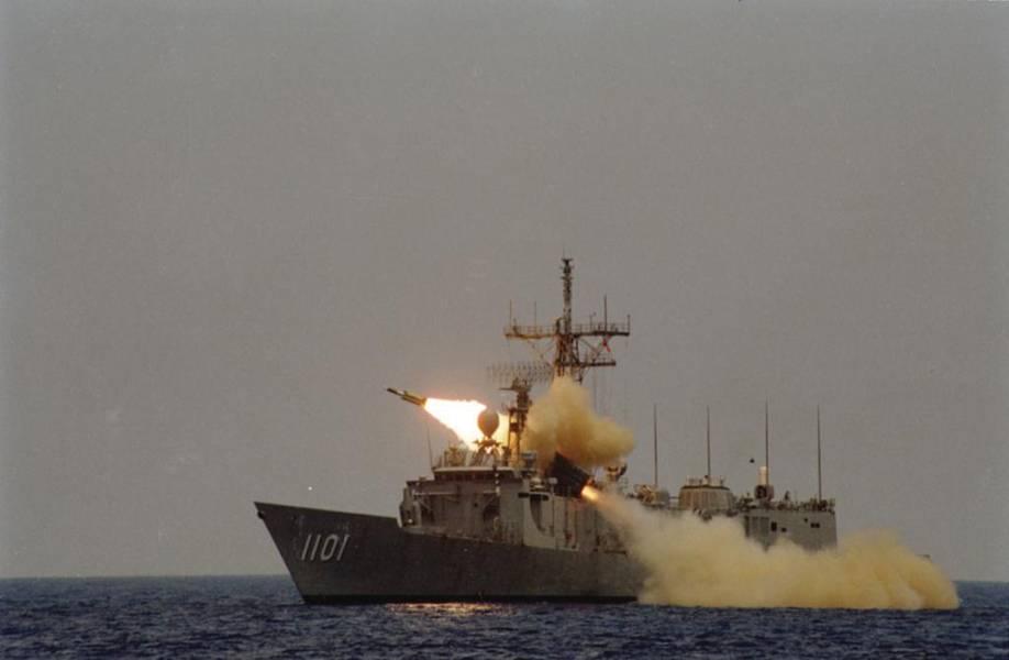 一辆雄风三号是由ROCS成功(PFG2-1101)发射的。 Cheng Kung是台湾建造的八艘Oliver Hazard Perry级护卫舰之一。 (NCSIST照片)