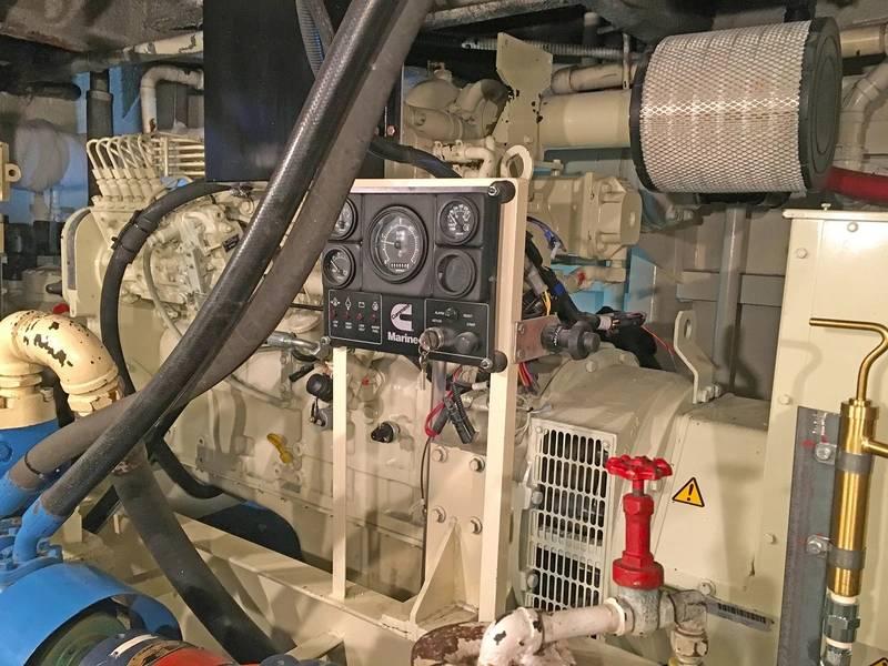 其中一台康明斯辅助发电机组(图片由Deon Strickland / Cummins提供)