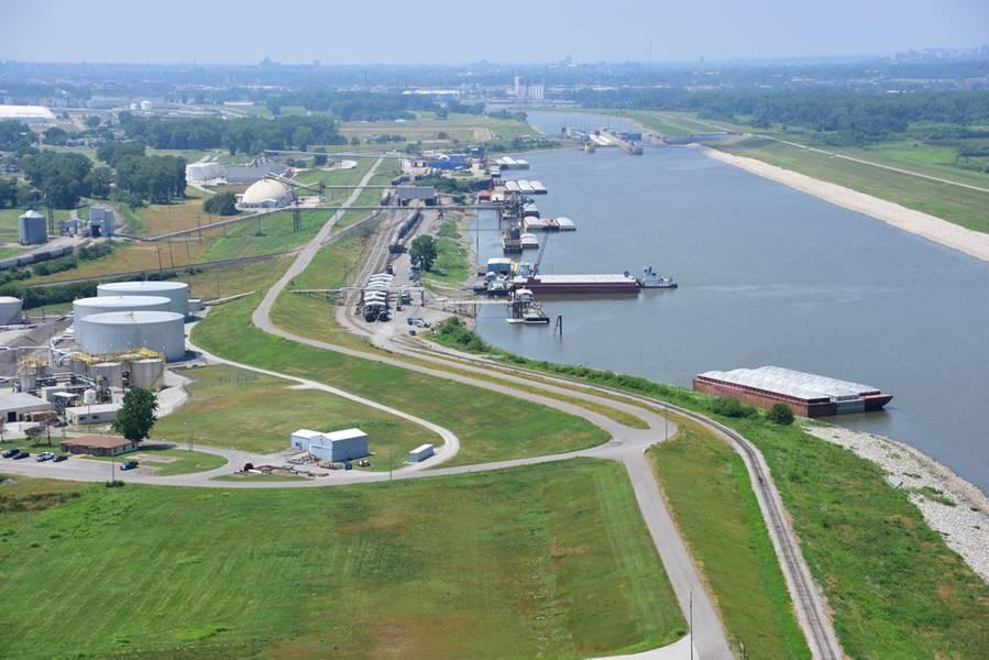 広がるACP複合施設と港の空撮。クレジット:ACP