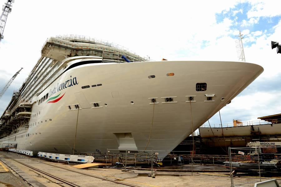 Κρουαζιερόπλοιο Κόστα Βενέτσια έμεινε έξω 5961d20a1ea