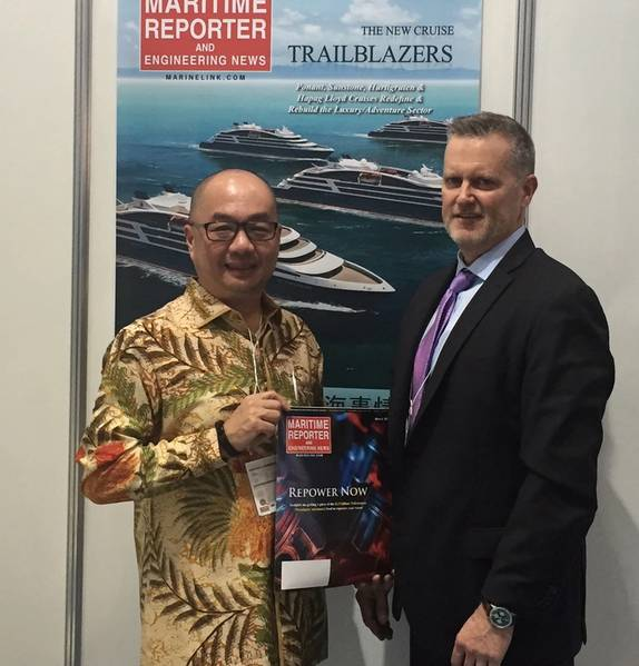 Im Bild Johnson W. Sutjipto, Vorsitzender der Indonesian National Shipowners Association (DPP INSA) - einer Organisation mit mehr als 3.800 Mitgliedern, die fast 37.000 Schiffe repräsentieren - die sich auf dem Stand von Maritime Reporter & Engineering News auf Sea Japan für ein Interview interviewte eine kommende Ausgabe. (Foto: Rob Howard)
