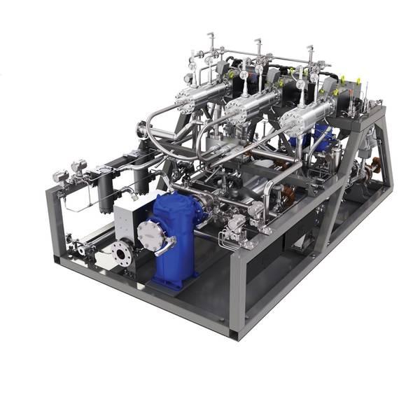 Das 300-bar-Hochdruckpumpenverdampferaggregat (VPU-System) der MAN SE wird am SAJIR installiert. © MAN ES