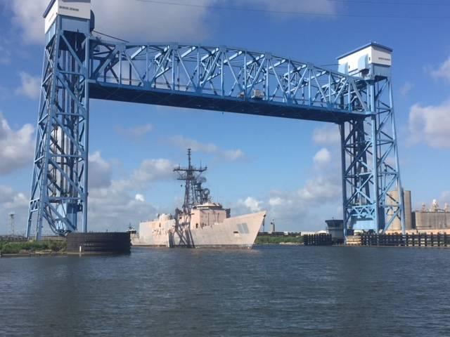 Das US-Kriegsschiff USS Doyle (FFG-39) wird in New Orleans im Rahmen eines Auftrags an EMR abgebaut und recycelt (Foto: EMR)