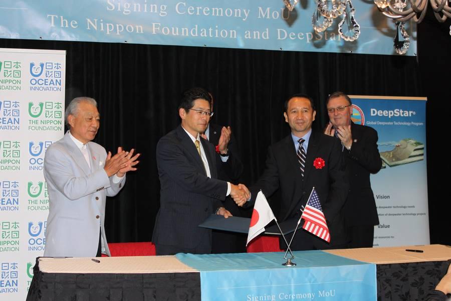 Die Nippon Foundation und Deepstar haben eine Absichtserklärung in Houston unterschrieben. Foto: Greg Trauthwein