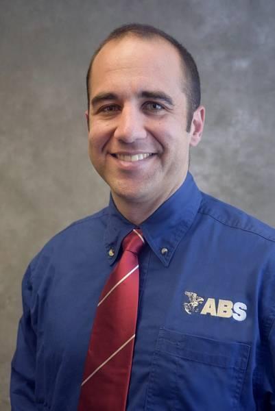 Domenic Carlucci, ABS-Manager für Maschinen-, Elektro- und Steuerungstechnik