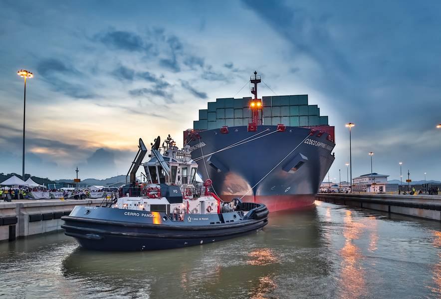 """Inauguração da expansão do Canal do Panamá com o trânsito do """"COSCO SHIPPING PANAMA"""" (26 de junho de 2016) Cortesia da Autoridade do Canal do Panamá."""
