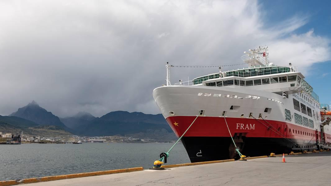 Nombrado en honor al famoso barco de expedición del explorador polar noruego Fridtjof Nansen, el MS Fram de Hurtigruten, entregado en 2007, realiza cruceros por Groenlandia durante el verano del hemisferio norte y la Antártida durante el verano de esa región. Foto cortesía de Hurtigruten.
