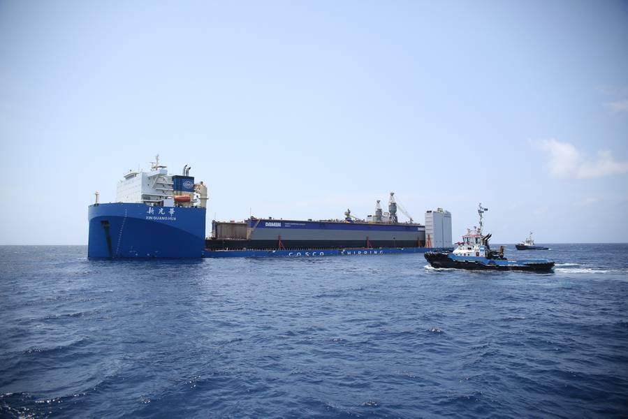 Schwimmdocks kommen bei DSCu an (Foto: Damen Shipyards)