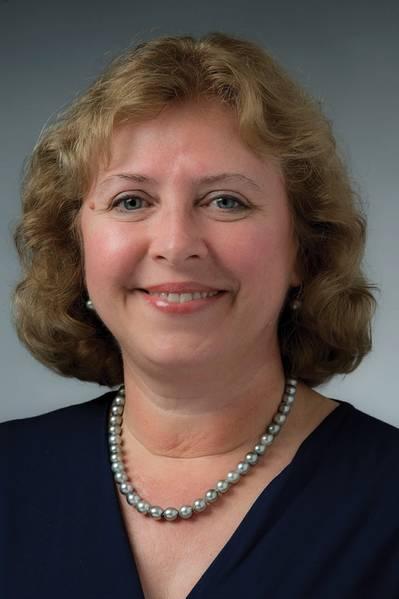Η Suzanne Beckstoffer, ηγέτης της μηχανολογίας και επιχειρηματίας, η πρώτη γυναίκα πρόεδρος της 125χρονης ιστορίας της SNAME. Φωτογραφία: HII / NNS