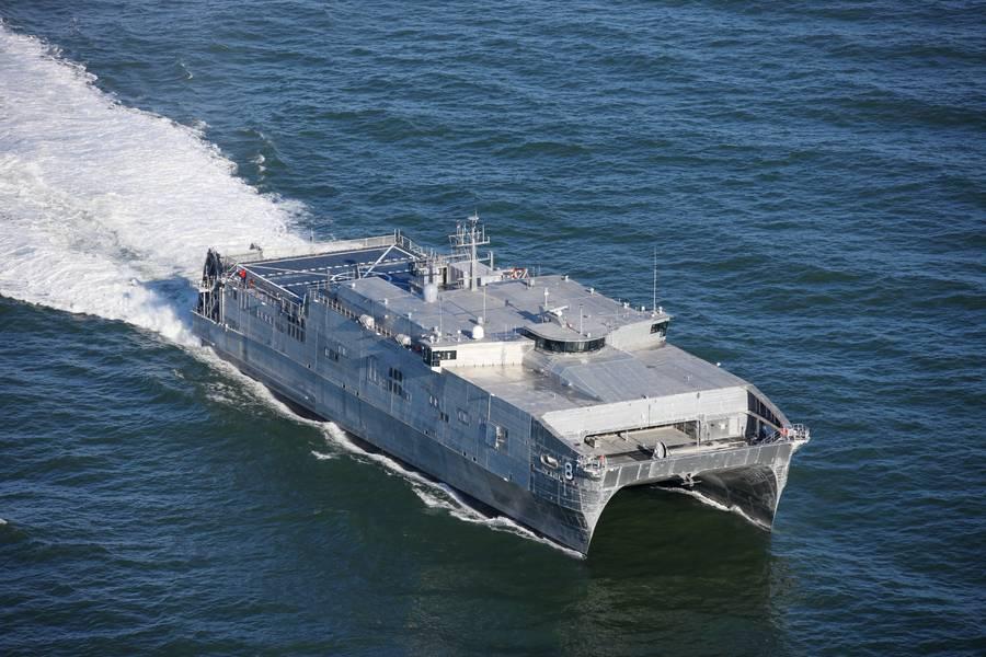 Un USNS EPF construido en austal en el mar. CREDITO Austal