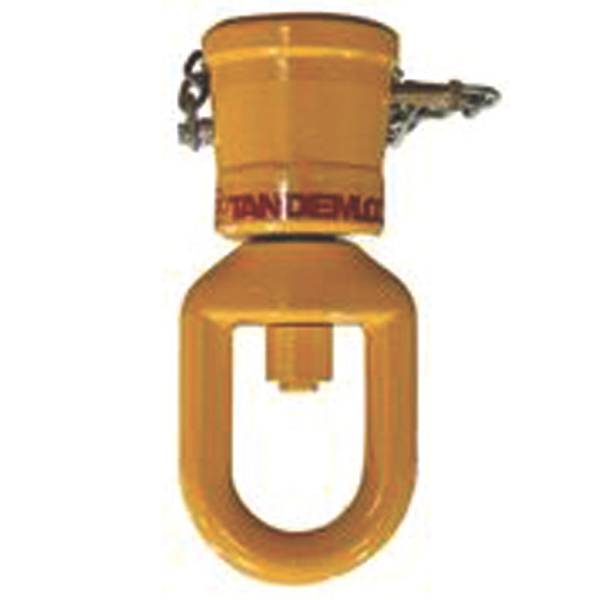 Zapata adaptadora y articulación giratoria Tandemloc Emergency Gear: un sistema versátil para levantar contenedores dañados o 'atascados'. (Foto cortesía de Tandemloc, Inc.)