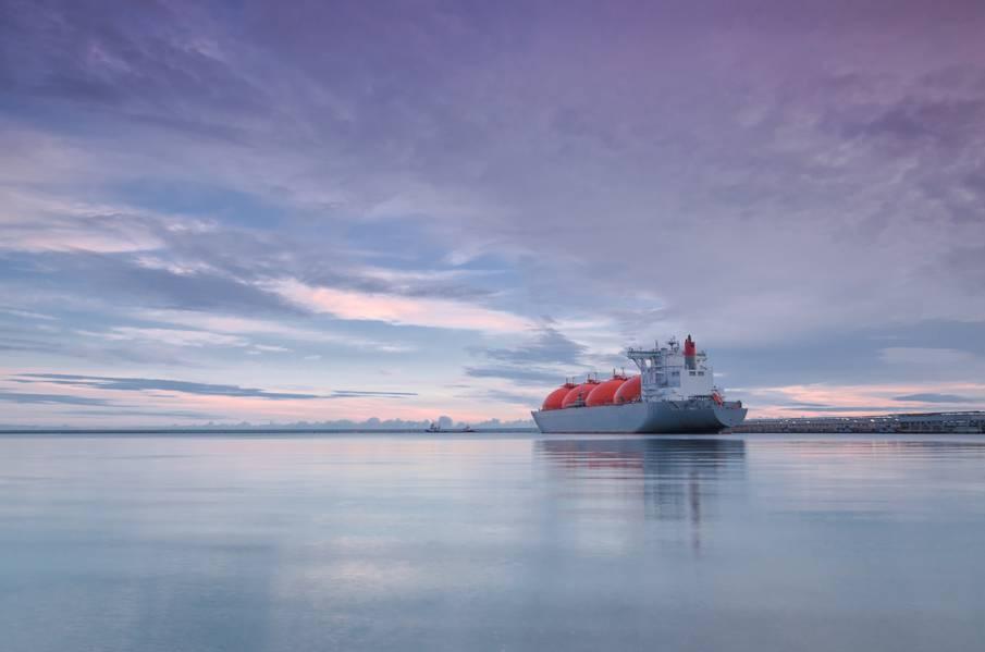 A empresa russa Zvezda Shipbuilding Complex concedeu à Samsung Heavy Industries (SHI) o contrato para construir transportadoras de GNL para o projeto Arctic LNG 2. (Foto © Adobe Stock / Wojciech Wrzesien)