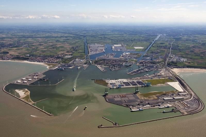 Zeebrugge orders seagoing lng bunkering vessel for Port zeebrugge