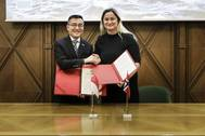 Maritime and Port Authority of Singapore Chief Executive, Andrew Tan, and Norway State Secretary, Ms Dilek Ayahn, at the Joint Statement Signing Ceremony. Photo courtesy of Norwegian Shipowners Association. Photo MPA