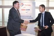 Signing CMA Total Copyright Guillaume Perrin Photo Total