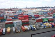 Shipping containers being used the old fashioned way in Port Elizabeth, NJ (Photo by NOAA)