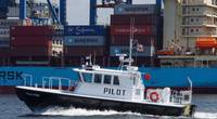 GH Marylabnd Pilots Baltimore 47' alongside container ship 7-2021.jpeg