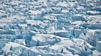 Crevasses near the grounding line of Pine Island Glacier, Antarctica. (Credits: University of Washington/I. Joughin)