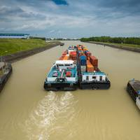 A shortsea cargo movment on the Danube river. CREDIT: AdobeStock / © digitalstock