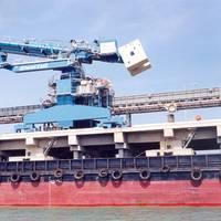 A Siwertell ship unloader ensures a highly-efficient, dust-free bulk transfer operation