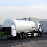 Antwerp Port_bunkering LNG_trucktoship