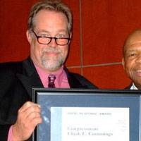 ASA President John A. Witte, Jr. (left) presents the American Salvage Association's Rapid Response Award to Rep. Elijah Cummings, Chairman of the House Coast Guard and Maritime Transportation Subcommittee, on October 6, 2009. (Photo courtesy the American Salvage Association)