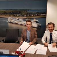 At the contract signing, left to right: Andrey Zherebetsky, Managing Director C-Job Nikolayev, and Basjan Faber, Managing Director C-Job Naval Architects (Photo: C-Job Naval Architects)