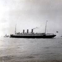 Augusta Victoria just before entering the port of New York (Photo: Hapag-Lloyd)