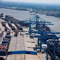 Containerships docked at the Port of New Orleans which is located along the Lower Mississippi River and supports deepening the channel's depth to 50 feet. (Photo: Port of New Orleans)